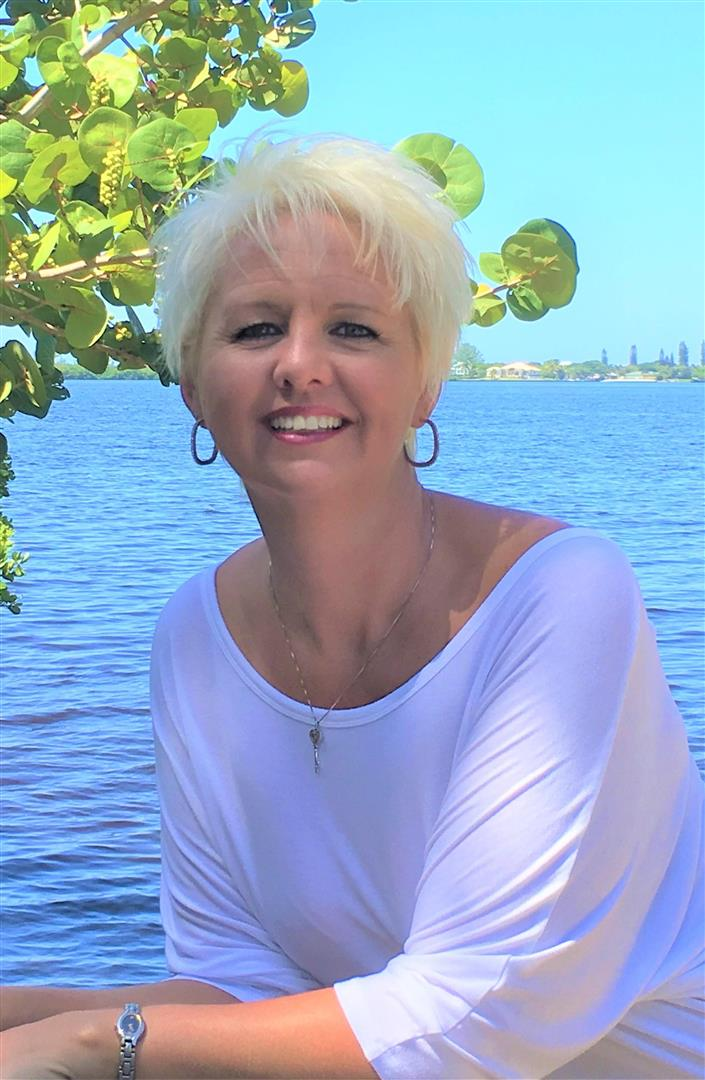 Portcharlotte Fl 33948 Amyrfutch Id30024705 on Port Charlotte Florida Real Estate Waterfront